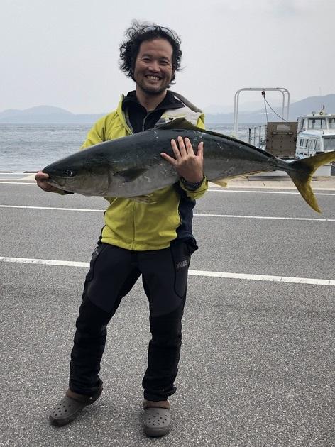 島根の磯で110cmオーバーのブリ